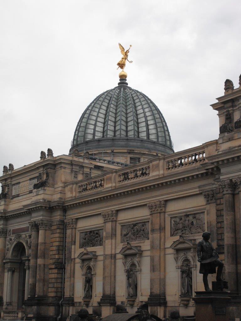 Besucher der Staatlichen Kunstsammlungen Dresden 2013: knapp 2,6 Mio.