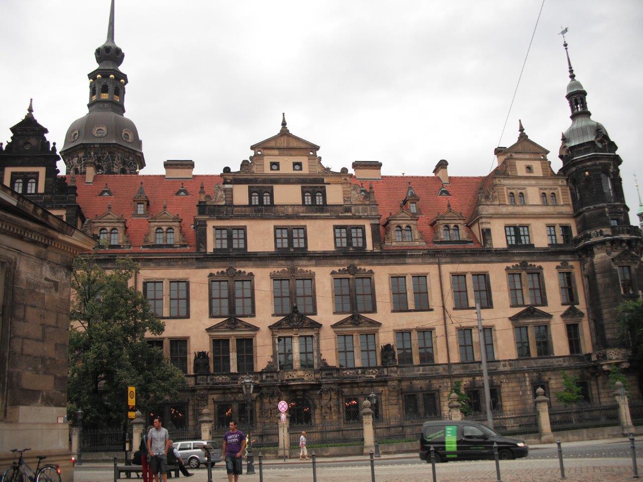 Sachsens Schlösser 2011 von über 2 Millionen Menschen besucht