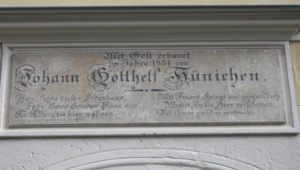 Hünichen-Tafel am Heimat- und Palitzsch-Museum (Erbauer 1851)