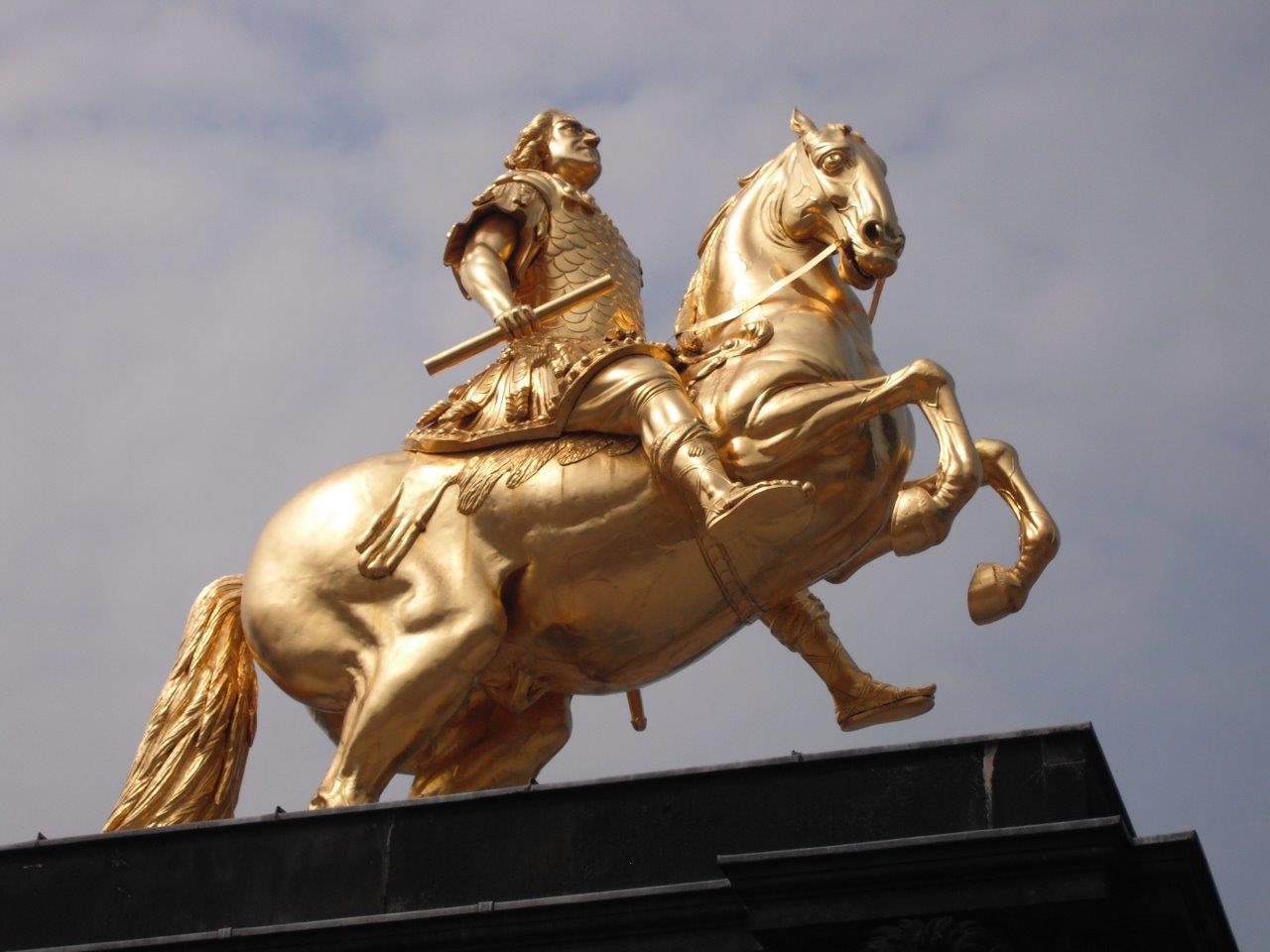 Der Goldene Reiter in Zahlen