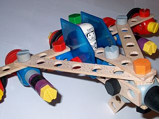 Kinderspielzeug Raumschiff